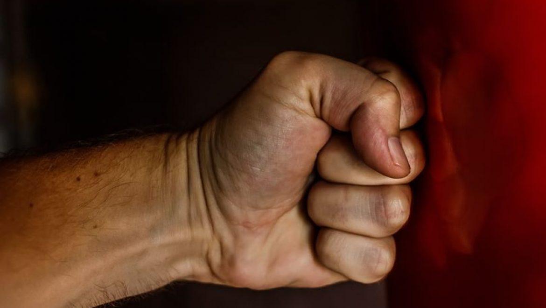 איך להרוס הרס עצמי – כיצד לזהות ולשחרר הרס עצמי בעזרת עבודת צל