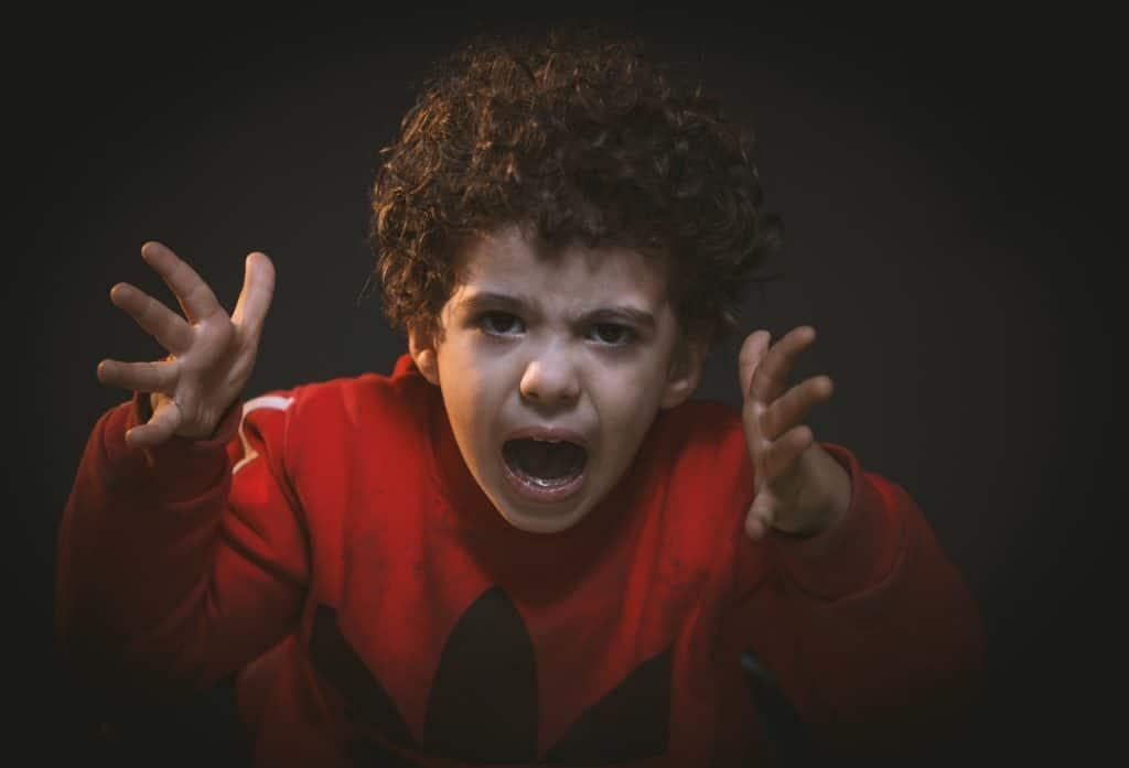 הורות נרקיסיסטית - תמונת ילד נטוש